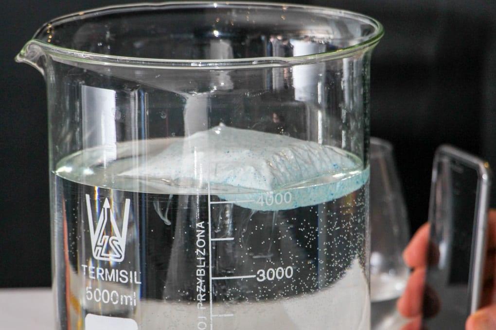 Woreczki wodnorozpuszczalne – polski patent na japoński produkt