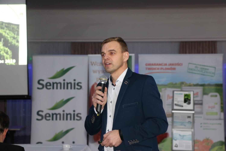 Piotr Dutkowski, Seminis